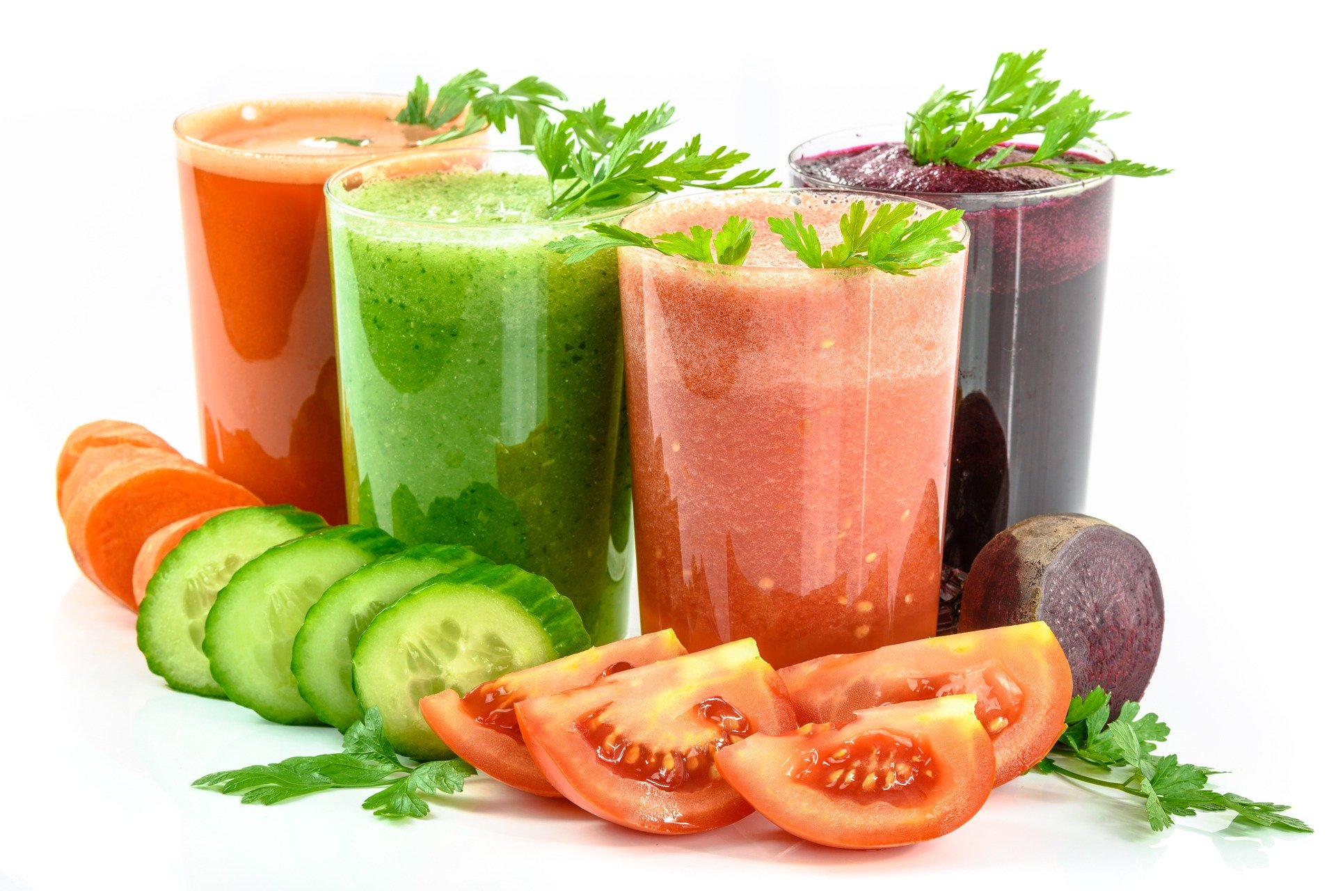 We don't need to starve ourselves to lose weight. Juices for weight loss and drinking them daily can bring much better results!