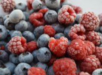 Fruits Raspberries Blueberries  - LMpolepy / Pixabay